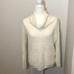 Gap sweater size small